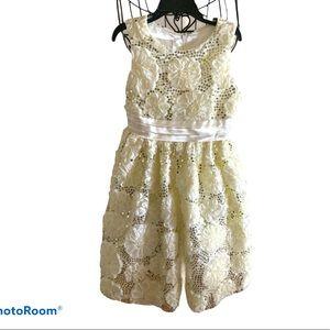 Cream Off white Dress Raised floral Design size 7